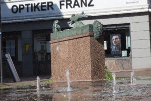 Hase und Igel Brunnen, Lange Straße