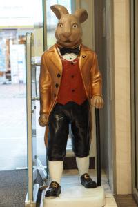 Hase im Kaufhaus Stackmann